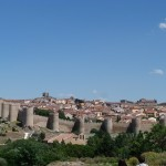 Avila - Gesamtansicht mit Stadtmauer