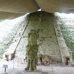 Hieroglyphentreppe am Tempel 26