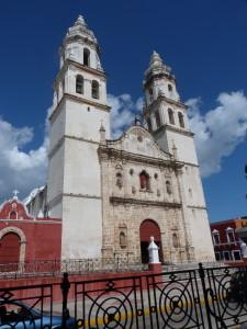 Campeche - Kathedrale am Plaz Principal