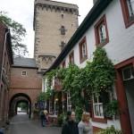 Zons - Häuser an der Rheinstraße