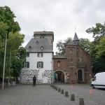 Zons - Rheintor und Zollstadion