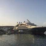 Patmos - Kreuzfahrer im Hafen